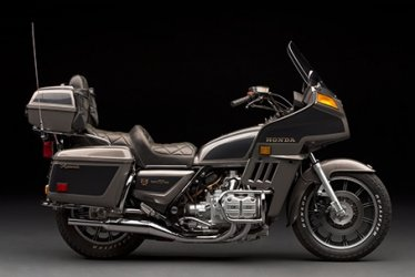 Honda GL 1100 Goldwing grijs 1.jpg